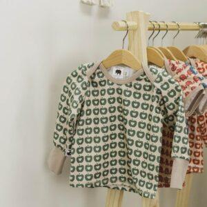 langarm Shirt – Äpfel – grün