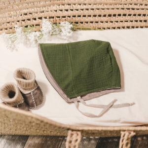 Bonnet – Haube aus Musselin – olivgrün
