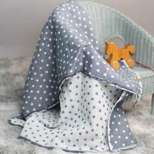 leichte Babydecke – Punkte – jeansblau