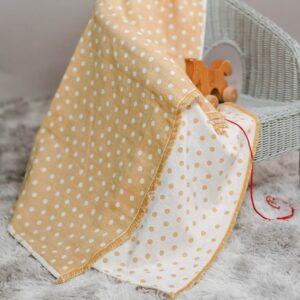 leichte Babydecke – Punkte – senfgelb