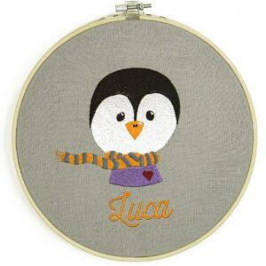 bestickter Rahmen – Pinguin