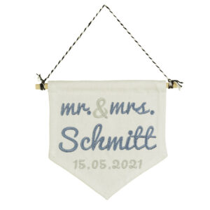 bestickter Wimpel – Hochzeit – Mr. & Mrs.